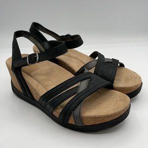 East Origins women's Tonga Tarla wedge sandals